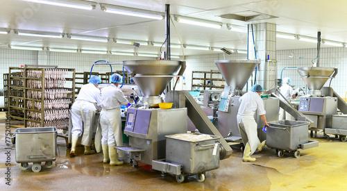 Leinwandbild Motiv Lebensmittelindustrie - Wurstherstellung // Food Industry