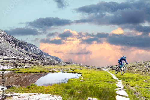 Tuinposter Fietsen Full Mountain