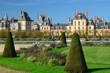 Courtyard and garden of Fontainebleau