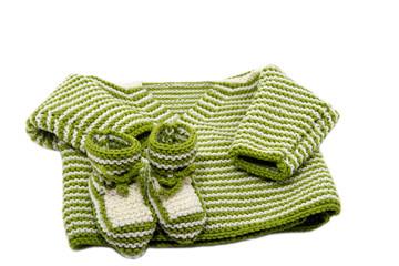 Babyjacke und Söckchen in grün weiss