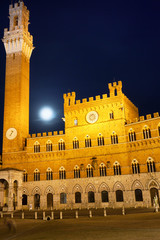 Siena Full Moon