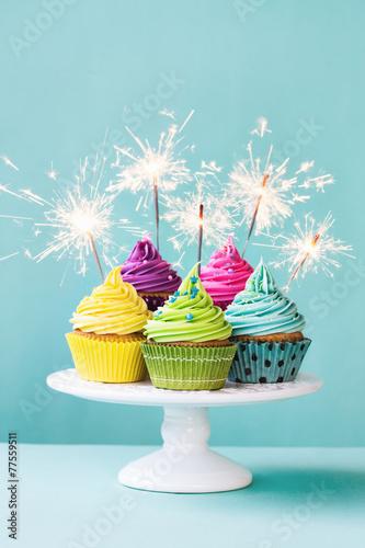 In de dag Koekjes Cupcakes with sparklers