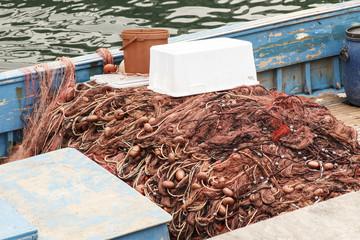 Fischnetz auf einem Fischerboot