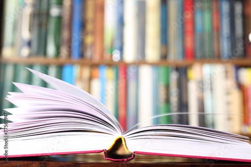 Leinwanddruck Bild open book
