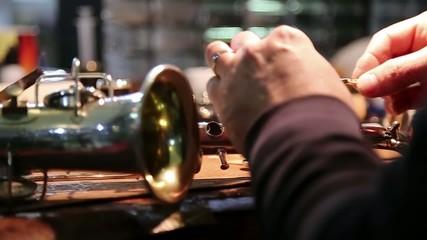 artigiano pulizia strumento musicale