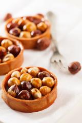 Nut tarts with caramel