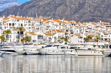 Deportes náuticos en España, Puerto Banús, Marbella