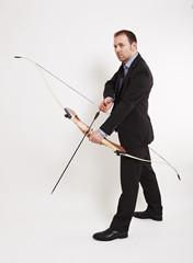 Bogenschütze mit angelegten Pfeil 2