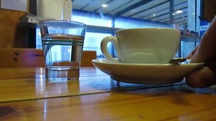 Caffè servito al bar