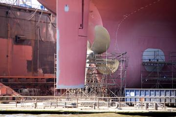 Schiffsschraube und Ruder