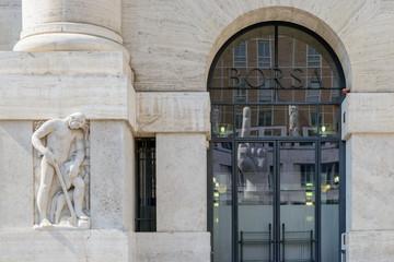 Milano, palazzo della Borsa 1