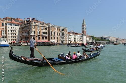 In de dag Gondolas Gondola sul Gran Canal, Venezia Italia