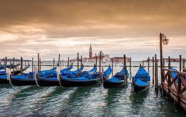 Gondoles et San Giorgio à Venise