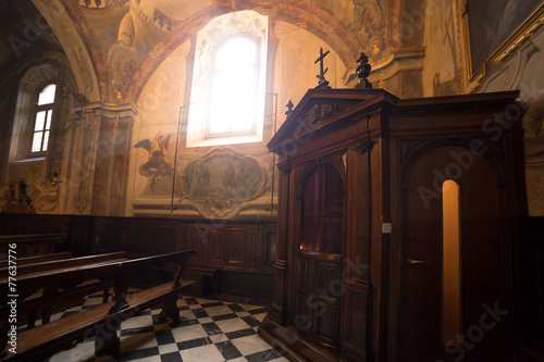 Zdjęcia na płótnie, fototapety, obrazy : Interno di una cattedrale