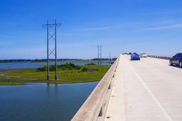 Мост, ведущий к изумрудному острову
