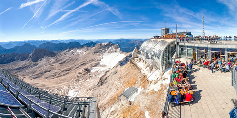 Zugspitze Bergstation Panorama