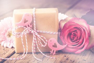 Mit Liebe schenken - Geschenk hübsch verpackt