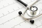 医療イメージ―聴診器と心電図