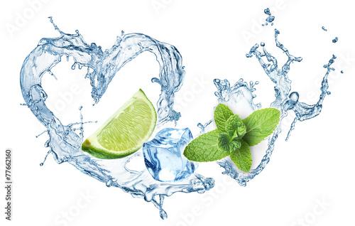 Zdjęcia na płótnie, fototapety, obrazy : Valentine Heart from water splash, mint, ice and lime