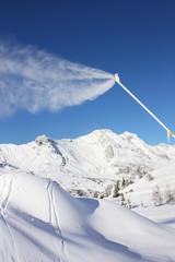Alpes - Canon à neige