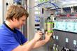 Montage von Schaltschränken in der Industrie