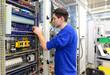 Leinwanddruck Bild - Montage von Schaltschränken in der Industrie