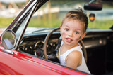 autobestuurder jong kind