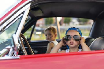 samen onderweg in de auto