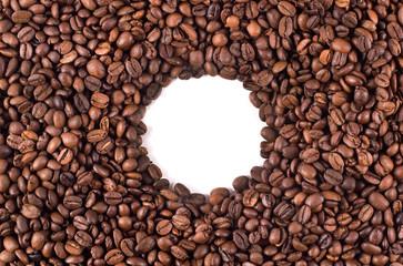 маленькая окружность из кофейных зерен