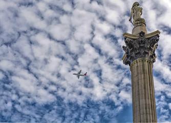 Trafalgar Square, tecnology and vintage