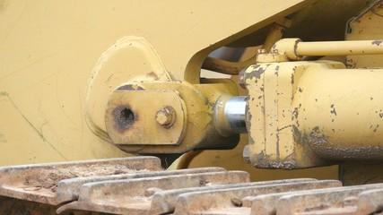 Track And Cylinder Slow Slight Backup