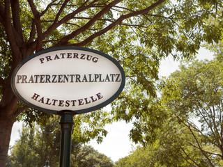 Praterzug Stationsschild im Wiener Prater