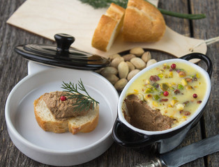 pate chicken liver with pistachios
