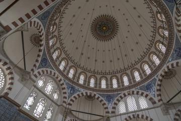 Zentralkuppel der Rüstem-Pascha-Moschee in Istanbul