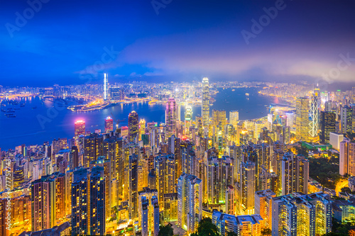 In de dag Hong-Kong Hong Kong, China skyline over Victoria Harbor