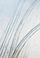 transport traces on snow
