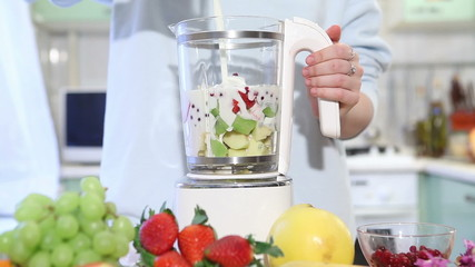 fruit smoothie blender