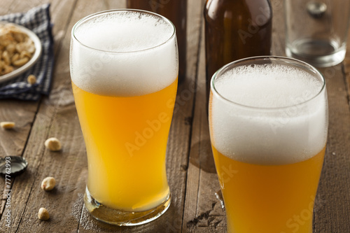 Resfreshing Golden Lager Beer - 77762993