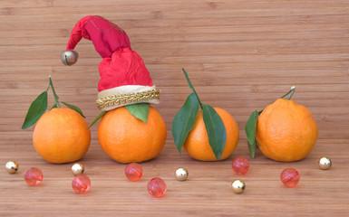 Мандарины, украшения к Рождеству.