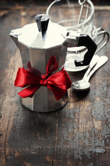 Coffee maker and cups