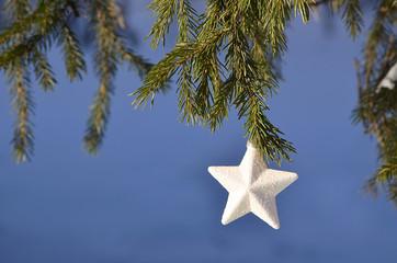 Звезда на ёлке.