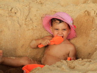 the child in sand