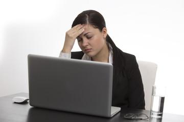 Kopfschmerzen - Wenn die Spannung zu Kopfe steigt