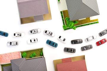 住宅街と車の混雑