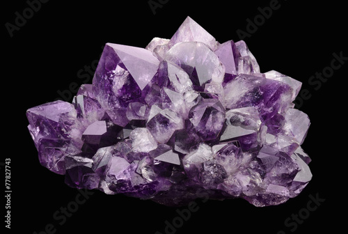Fotobehang Edelsteen Amethyst over Black Background