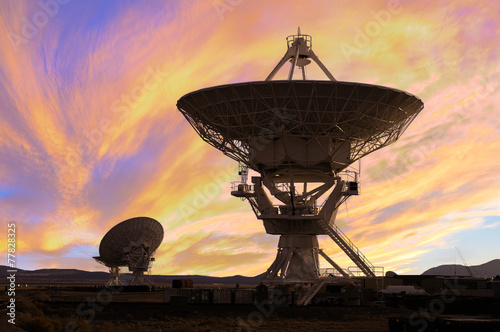 Leinwanddruck Bild Picture of Radio Telescopes