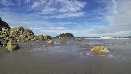 Slow Motion Waves and Splashes at Tauranga - New Zealand