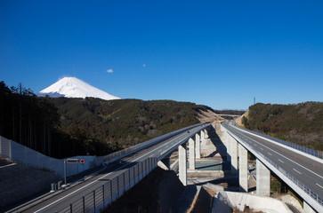 新東名と富士山