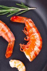 Cooked shelled shrimps