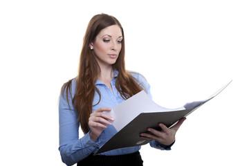 Weibliche Bürokraft mit Akte